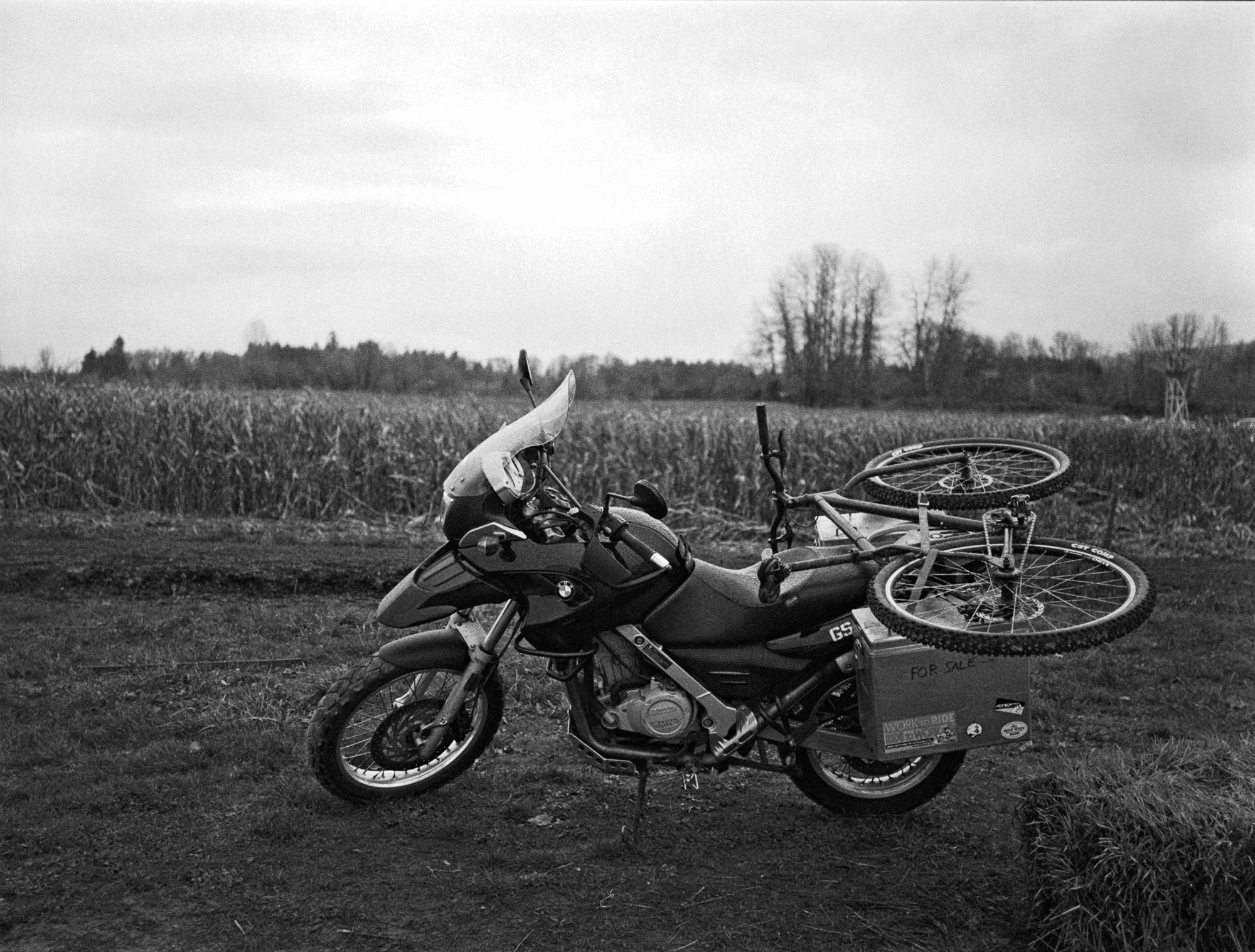 bike-on-bike-action-damian-riehl