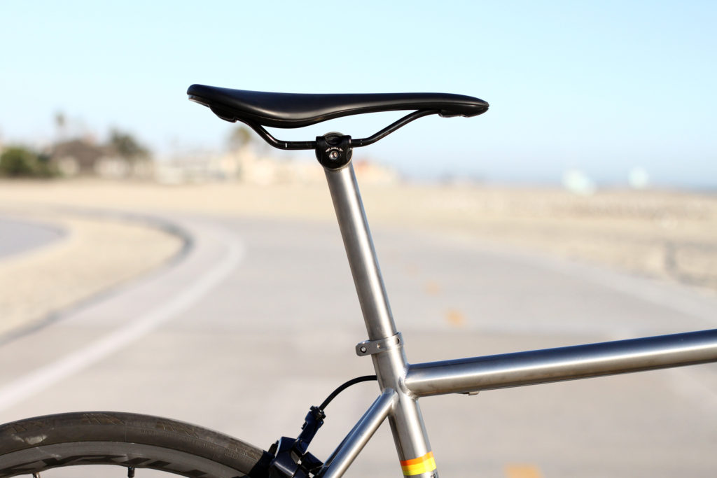 titanium-road-bike-fairdale-spaceship-s9